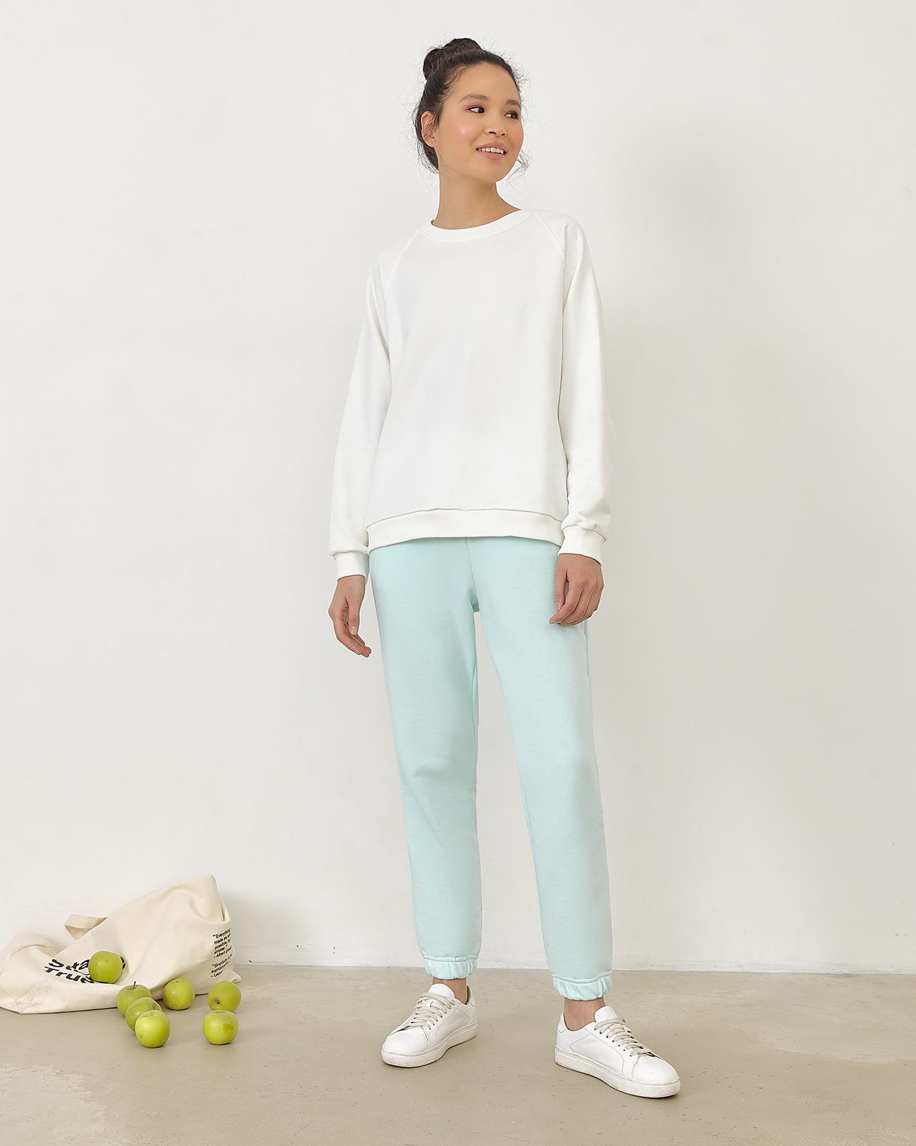 Спортивные брюки ментолового цвета фото
