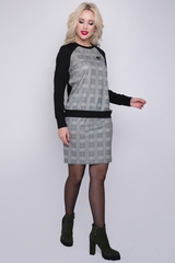 """<p>Современный костюм в стиле """"casual"""". Практичен, удобен в носке, не стесняет движения. Свитшот с рукавом """"реглан"""", юбка на резинке. (Брошь входит в стоимость). (Длины блуза/юбка: 44=57/51см; 46=57/51см; 48=58/54см; 50=58/56см)&nbsp;</p>"""