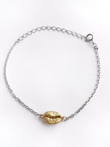 Серебряный браслет на цепочке с позолоченным кофейным зерном