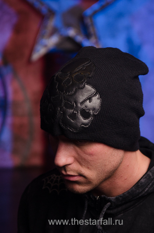 Шапка «Explode» от 7.17 Studio Luxury c тремя черепами