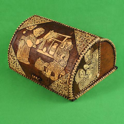 Хлебница из бересты с изображением Деда и Бабки