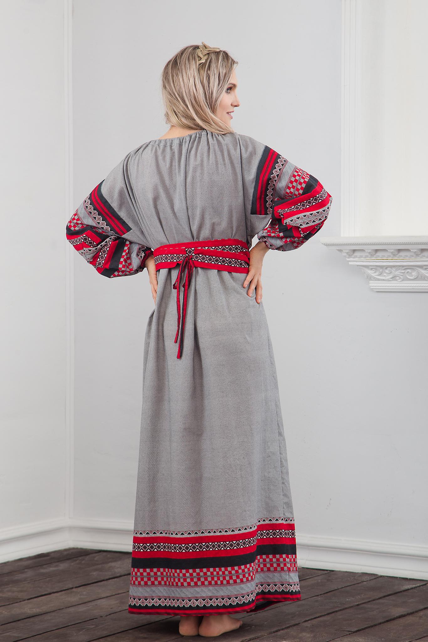 Традиционное платье Чалдоны вид сзади