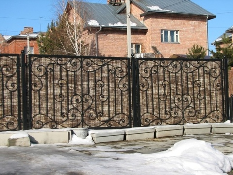 Кованый забор с профнастилом N-8