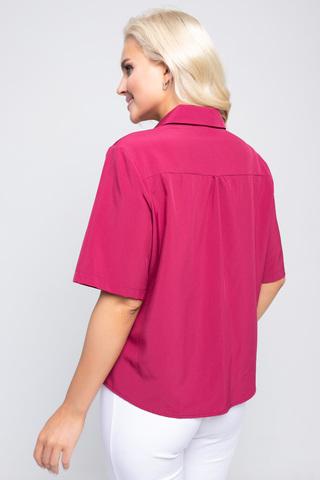 """<p><span>Модная рубашка в стиле """"смарт кэжуал"""" является одним из трендовых элементов вашего гардерода этой весной. Рубашка """"Лера"""" отлично сочетается с брюками,юбками разной длины, джинсами и шортами. В ней вы будите чувстовать себя женственно, модно и стильно. Рукав до локтя, ворот отложной с планкой на пуговицах. По переду декоративный элемент """"перевертыш"""". (Длины: 46-48=59см; 50=60см;52=62см)&nbsp;</span></p>"""