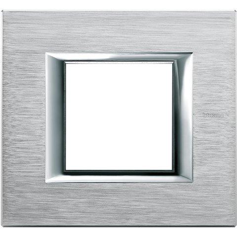 Рамка 1 пост, прямоугольная форма. АНОДИРОВАННЫЕ. Цвет Хром. Немецкий/Итальянский стандарт, 2 модуля. Bticino AXOLUTE. HA4802CR