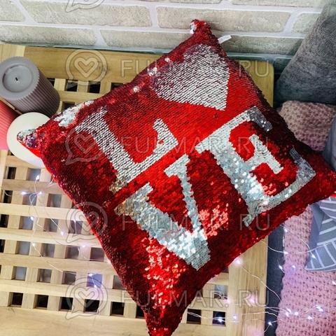 Подушка декоративная квадратная с пайетками меняющая цвет Красная-Серебристая с надписью (30х30х12 см)