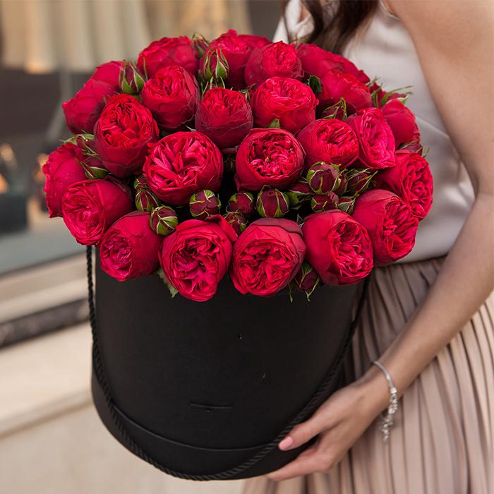Купить букет 29 кустовая пионовидная красная роза Ред Пиано в Перми