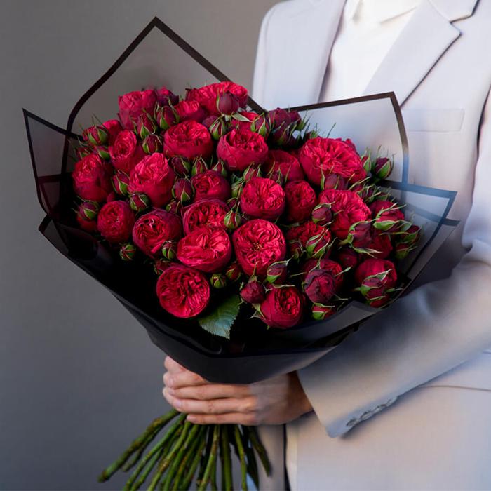 Купить букет 31 кустовая пионовидная красная роза Ред Пиано в Перми