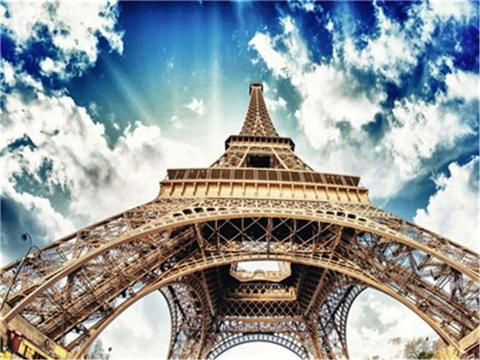 Картина раскраска по номерам 30x40 Вид на Эйфелеву башню снизу