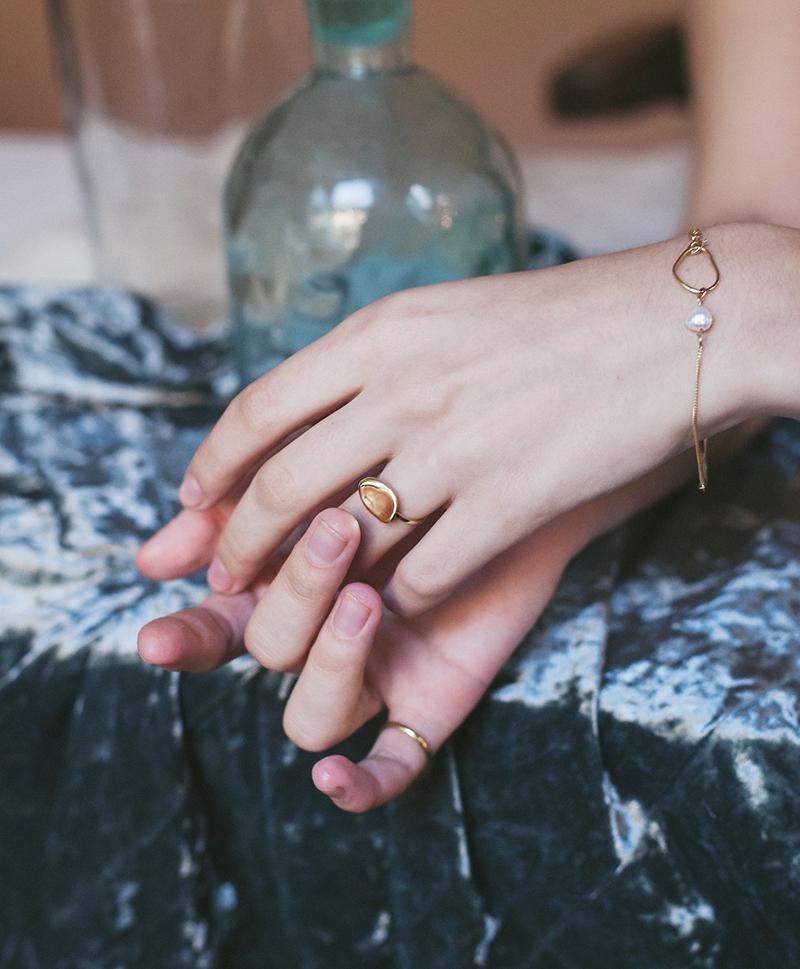 Серебряный браслет с жемчужиной и золотым покрытием