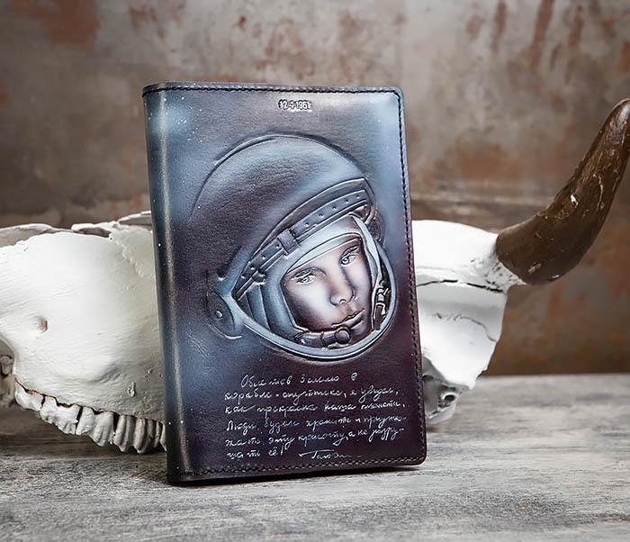 BC202 Подарочный кожаный ежедневник «Гагарин» с художественным раскрасом (A5)
