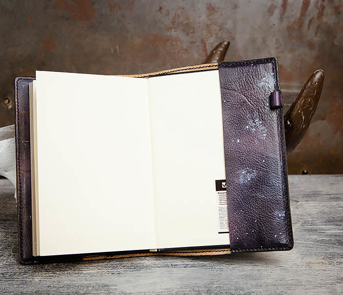 BC202 Подарочный кожаный ежедневник «Гагарин» с художественным раскрасом (A5) фото 13