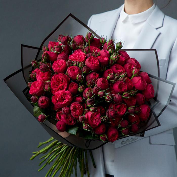 Купить букет 49 кустовая пионовидная красная роза Ред Пиано в Перми