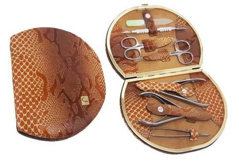 Маникюрный набор СТАЛЕКС НМ-07/2 «Рамка профессиональная», 7 предметов. Натуральная кожа, ручная заточка. Цвет № 04