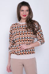 """<p>Эффектная блузка с модным принтом """"геометрия"""" фасона """"мышь"""". Очень комфортная модель для деловой леди.</p>"""