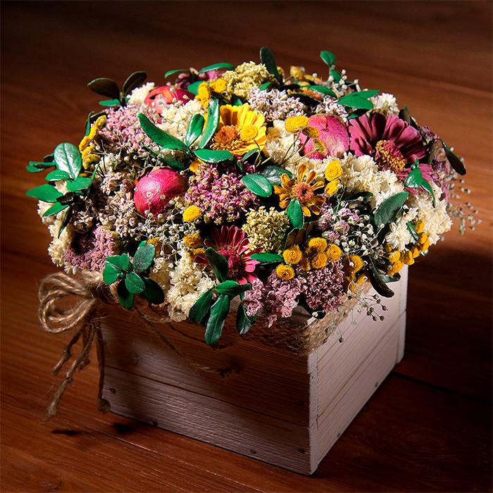 Авторская интерьерная композиция из сухоцветов и стабилизированных цветов Пермь