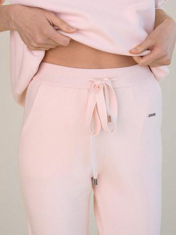 Женские брюки светло-розового цвета из вискозы - фото 5