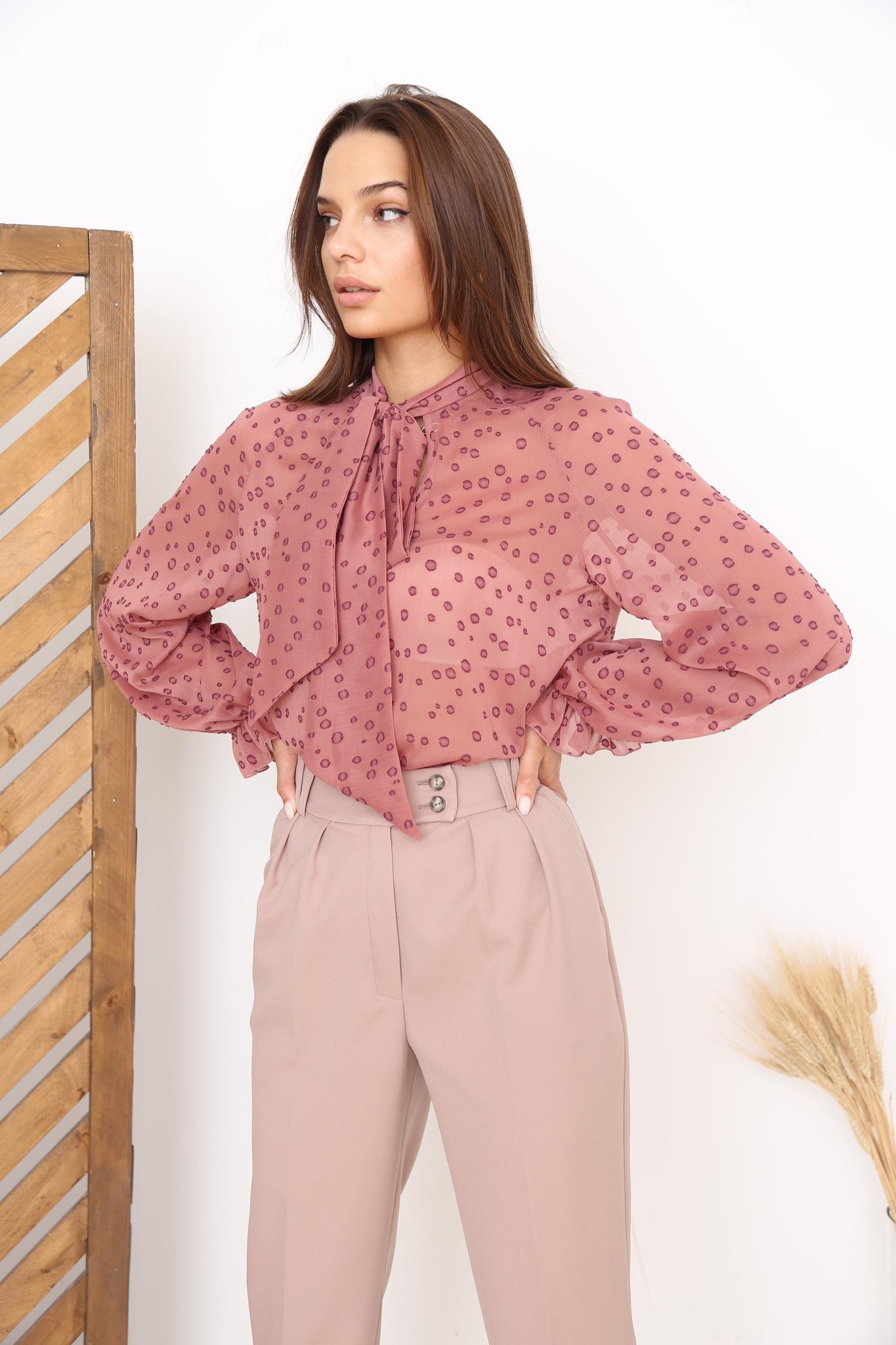Блуза с бантом из шифона (пятна на розовом)