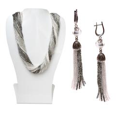 Комплект украшений серебристо-белый (длинные серьги из бисера, бусы из бисера 36 нитей)