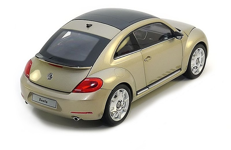 Коллекционная модель Volkswagen New Beetle Coupe 2012