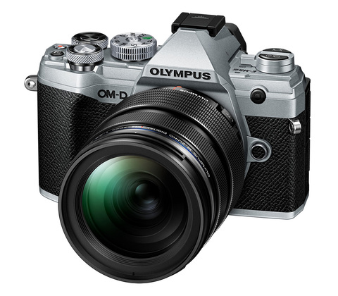Olympus OM-D E-M5 Mark III Kit 12-200 mm Silver