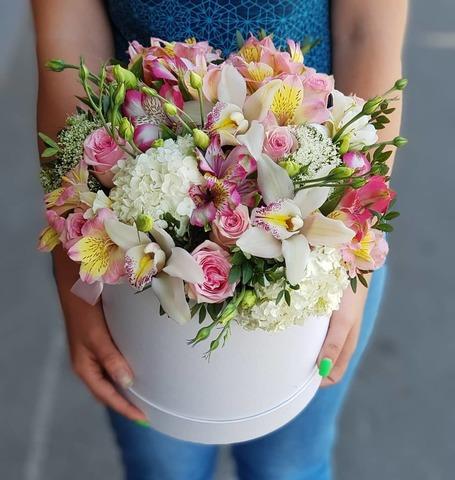 Коробка микс цветы 8
