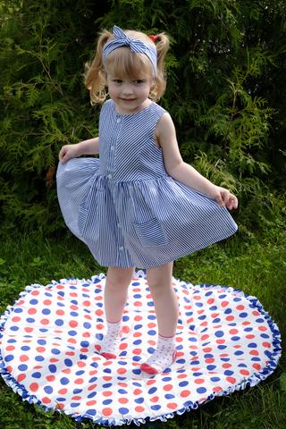 Летнее платье в синюю полоску