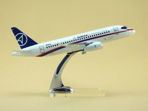 Модель самолета SSJ-100 (М1:100, ГСС)
