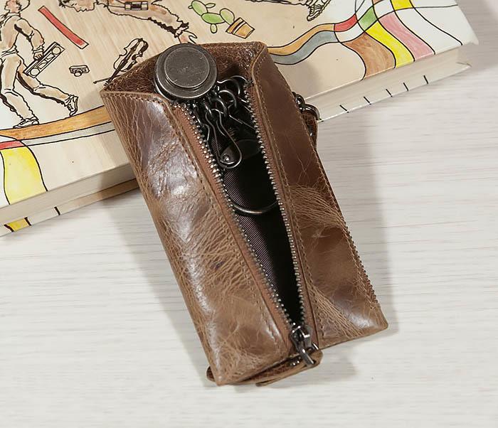 KK101-2 Удобная кожаная ключница с кармашком фото 03