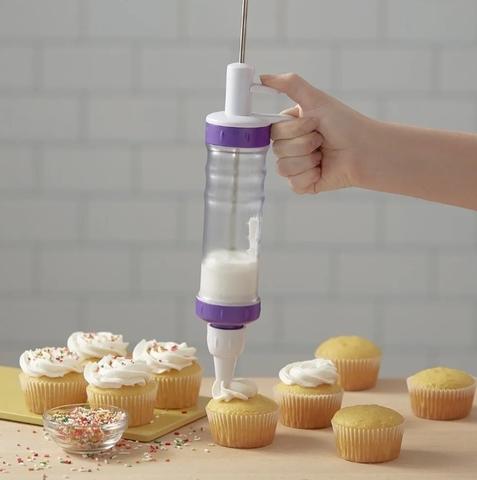 Кондитерский шприц с насадками Dessert Decorator Plus для декорирования десертов и кондитерских изделий