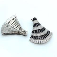Роскошные серьги веера из серебра с черно-белыми цирконами