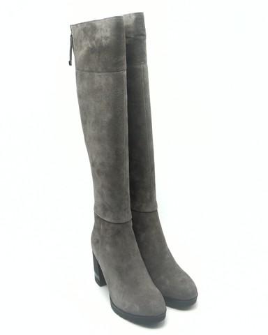 Ботфорты из натурального велюра нв высоком каблуке.