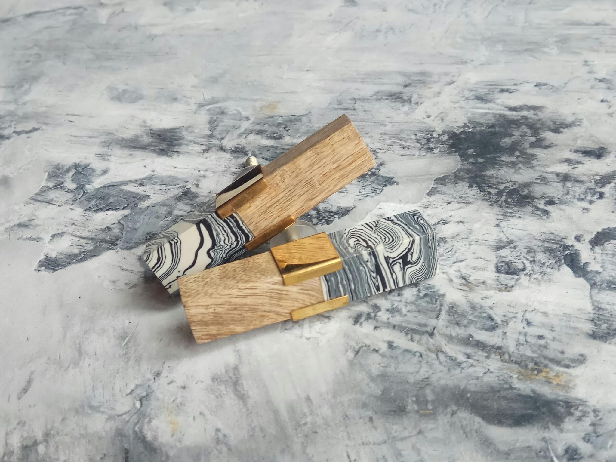 Ручка мебельная из дерева и смолы