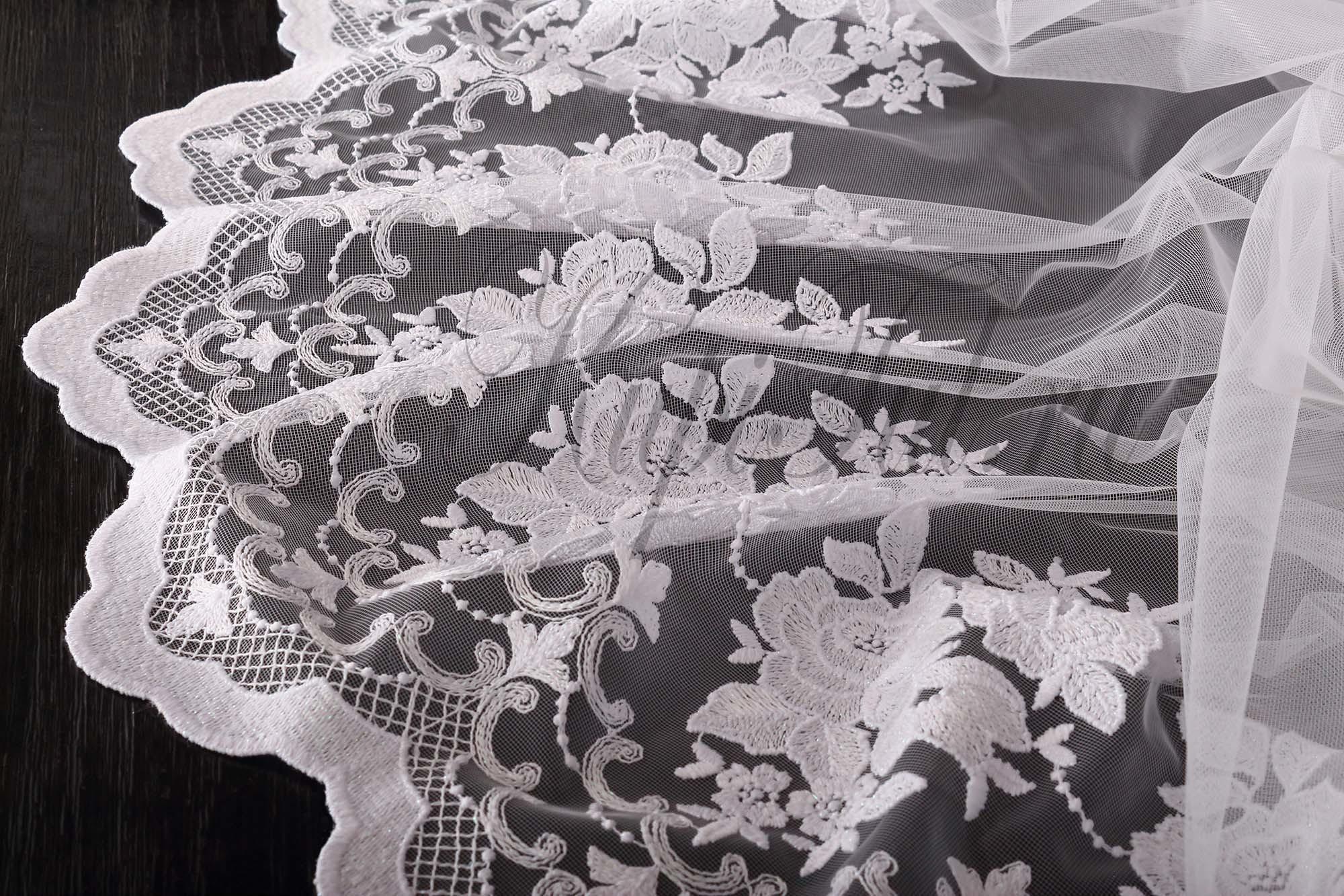 Микросетка с вышивкой Розы-2 (белая)