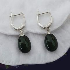 Позолоченные серьги с подвеской яйцо. Зелёный нефрит (класс моде).