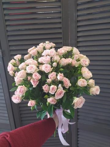 11 кустовых роз 60 см #865