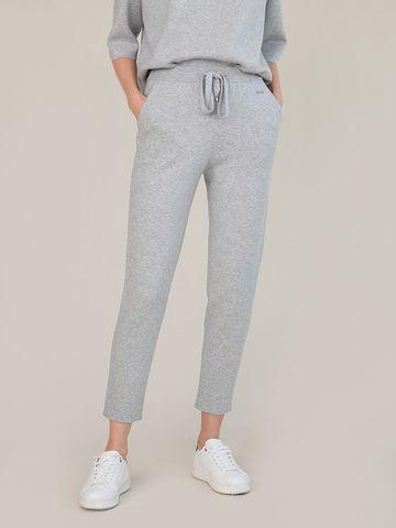 Женские брюки цвета серый меланж из вискозы - фото 4