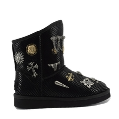 /collection/new-2/product/ugg-classic-short-multisign-black