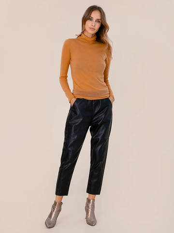 Женский свитер песочного цвета из 100% шерсти - фото 5