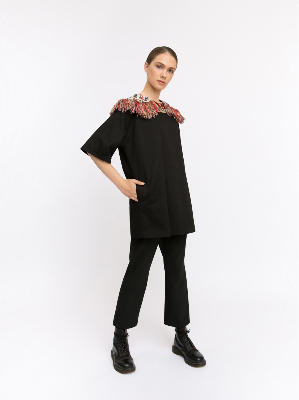 Туника с объемной вышивкой