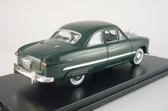 Ford Custom 2-Door Coupe dkl.-grun with rear fender covers American Heritage Models 1:43