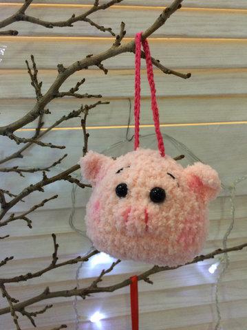 Игрушка свинка на петельке