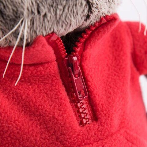 Кот Басик в красном флисовом жилете