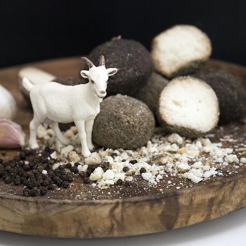 Фотография Козий сыр «Козапеппер» (Белпер Кнолле) / 90 гр купить в магазине Афлора