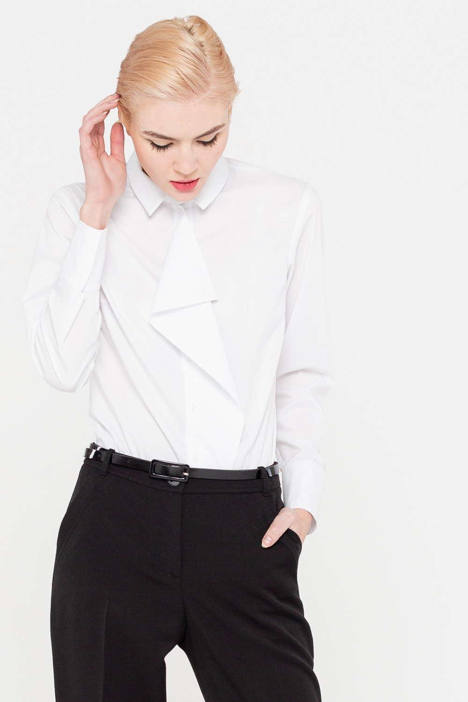 Блуза Г688-736 - Классическая блуза, дополненная ниспадающей манишкой, превратилась в предмет гардероба, предназначенный не только для офисной жизни, но и для особого случая. Блуза выполнена из приятной смесовой ткани, мало мнется и прекрасно сохраняет аккуратный внешний вид даже при активной носке. Комбинируйте модель и со строгим низом, и с длинными юбками и даже с простыми джинсами.