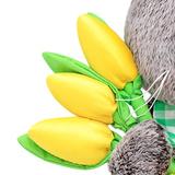 Кот Басик с желтыми тюльпанами