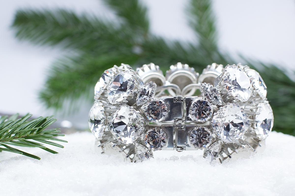 Браслет-манжета с крупными кристаллами от  Rodrigo Otazu