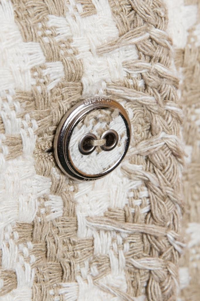 Классический жакет из твида с рисунком «гусиная лапка» от Chanel, 38 размер.