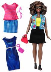 Кукла Barbie с набором одежды Fashionistas