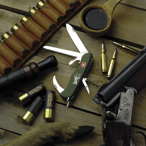 Складной нож Victorinox Hunter Green, 111 мм., 12 функций (0.8873.4) - Wenger-Victorinox.Ru